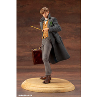 FANTASTIC BEASTS: THE CRIMES OF GRINDELWALD Newt Scamander Statue